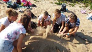 Edukacja na słonecznej plaży