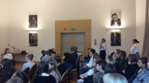Uczniowie z SP21 debatują w Ratuszu Staromiejskim