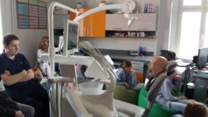 Klasa 7c na prelekcji stomatologicznej w szkole policealnej MEDYK w Elblągu